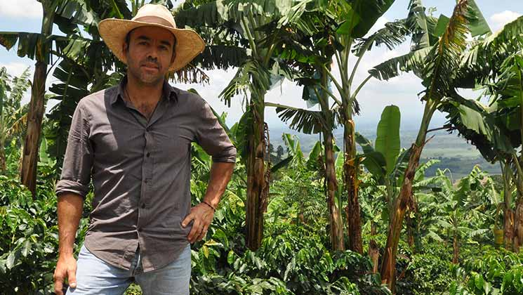 Colombian coffee farmer César and his family